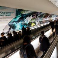La fresque du couloir de la station Montparnasse-Bienvenüe (Paris)